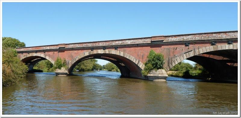 SAM_1790 Moulsford Railway Br