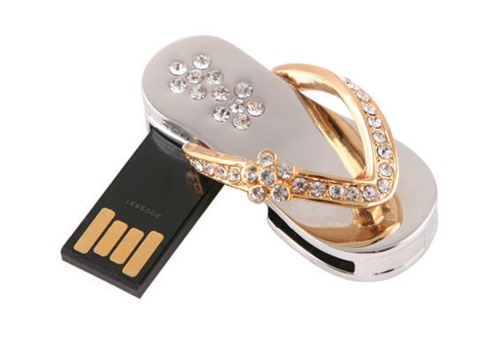 28. Sandalias USB Drive
