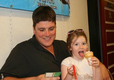 Minnesoda Ice Cream Shop at Cabin Julu 2011 (8)