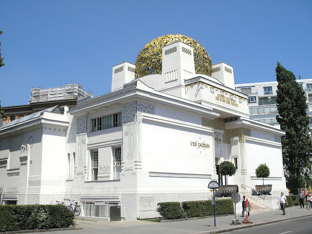 Secession_Vienna_June_2006_012.jpg