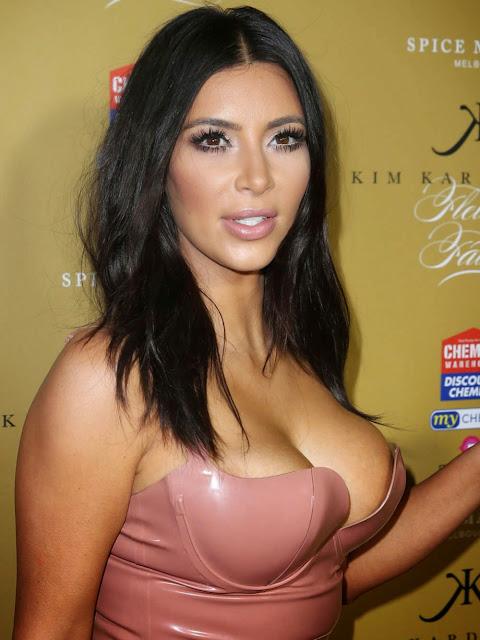 Kim Kardarshina in a Peachy Tight Latest Dress Sideboobs Visible Hot Pics Latest Sex
