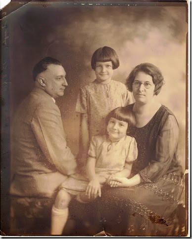 SEIGLE_Arthur & wife Lida nee Tufts with daughters Rosemary & Elaine