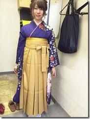 卒業式に袴で (2)