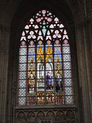 2014.08.03-080 vitraux dans la cathédrale des Saints-Michel-et-Gudule