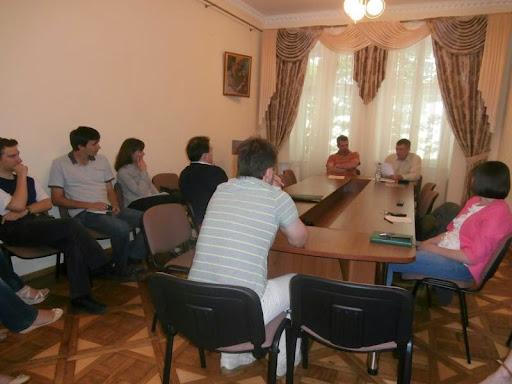 24 червня, у вівторок, відбулося щомісячне засідання наукового семінару «Перехресні стежки»