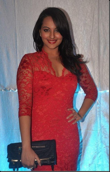 Sonakshi Sinha at FHM anniversary celebrations2_