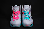 nike lebron 9 ps elite grey candy pink 8 06 LeBron 9 P.S. Elite Miami Vice Official Images & Release Date