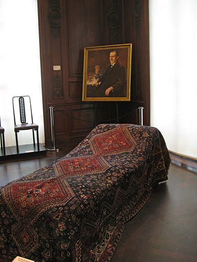 A reproduction of Freud's famed psychoanalysis sofa.