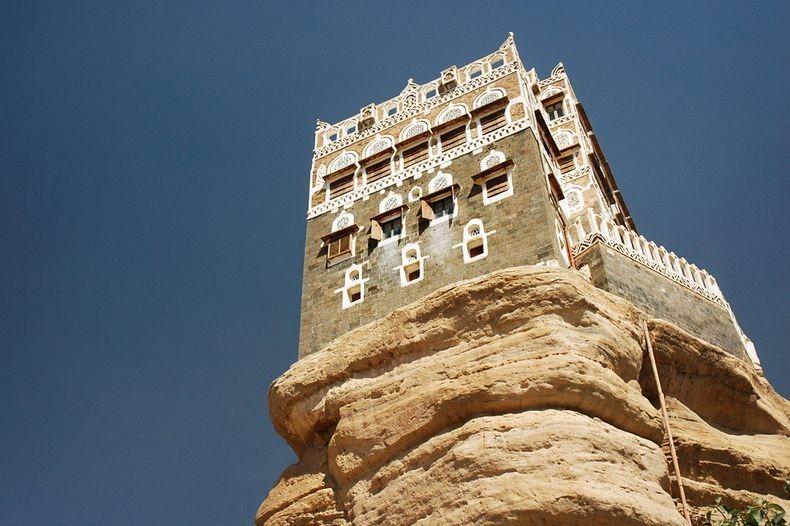 Dar-al-Hajar-0