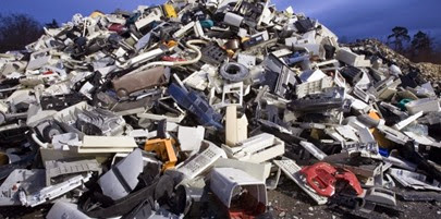 plastics-from-e-waste-from-national-geographic-photographer-702x336