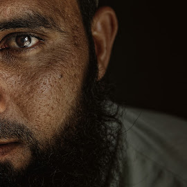 Bashar by Leyon Albeza - People Portraits of Men