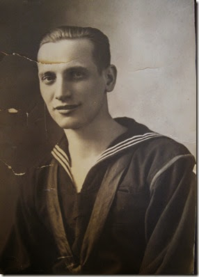 ROE_Everette_headshot in his Navy uniform