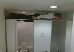 Bizarre-And-Funny-Planking-Craze-10
