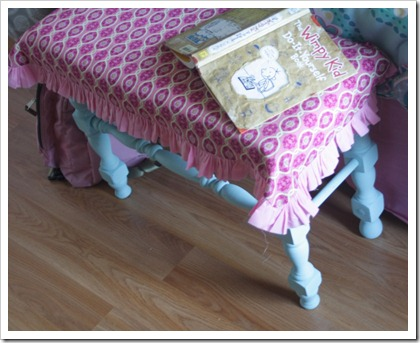 kids room bench