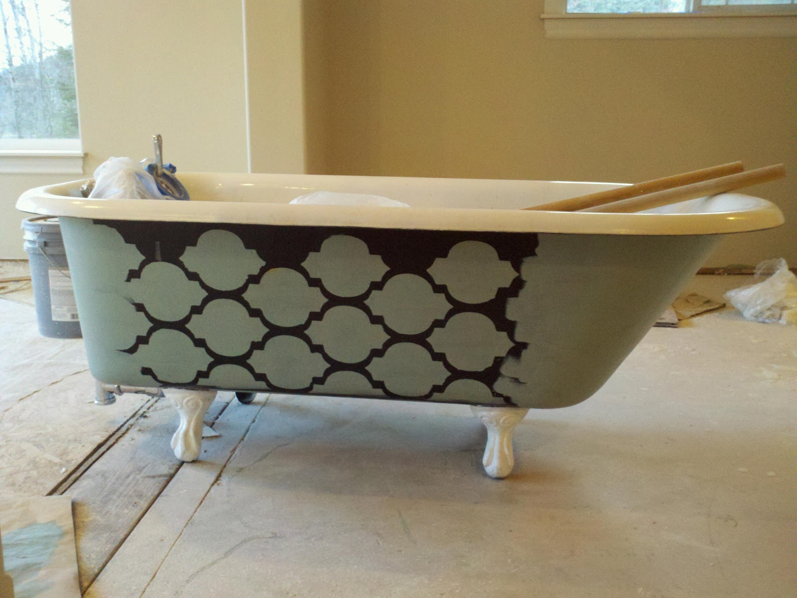There will be cursing the 39 short 39 buy and remodel of house fugly master bath antique clawfoot - Painting clawfoot tub exterior paint ...