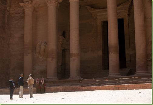 bo tours ruins of treasury building Petra