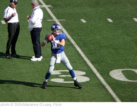 'Eli Manning testing that sore heel' photo (c) 2009, Marianne O'Leary - license: http://creativecommons.org/licenses/by/2.0/
