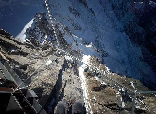 1387810329_chamonix-skywalk-5