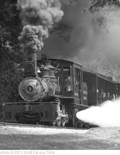 'Train' photo (c) 2010, Scott Calleja - license: http://creativecommons.org/licenses/by/2.0/