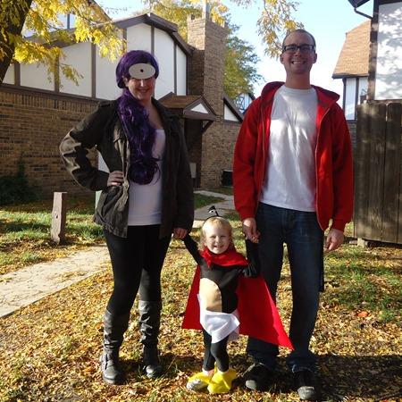 Leelah, Frye, and Nibbler from Futurama