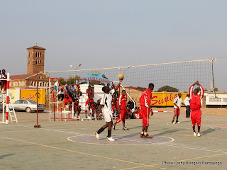 Match de volleyball au stadium Omnisport Joseph Kabila Kabange  Lubumbashi. Photo Cathy Kongolo Bompengo
