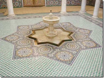 Morocco--Palace-courtyard-in-Fez