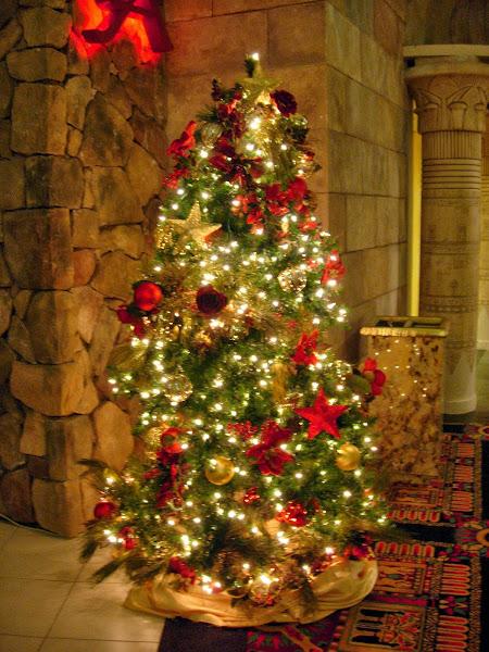 Christmas Tree Decorating Decorating Christmas Tree