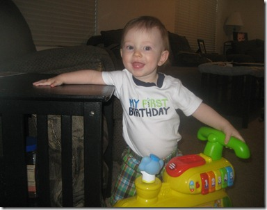 09 01 11 - Brayden's 1st Birthday! (16)