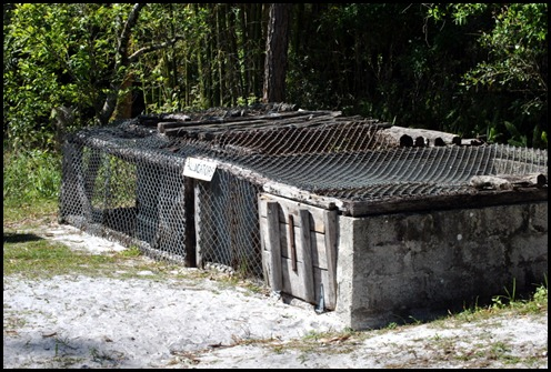 20b - Alligator Cages