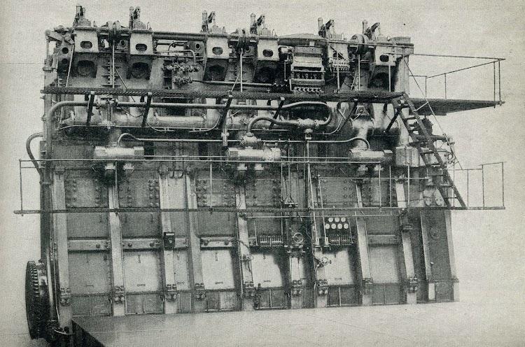 Uno de los dos motores Neptune del ARNUS. De la revista The Shipbuilder. Febrero de 1924.jpg