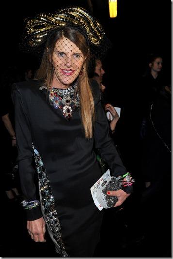 Anna dello Russo Lanvin Front Row Paris Fashion jcz-B0mIIydl