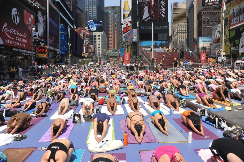 times-square-yoga-3