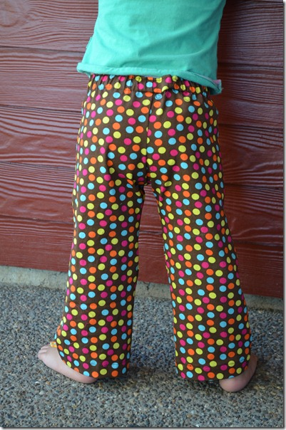 Morning Walk, Lu's polka-dot pants 030