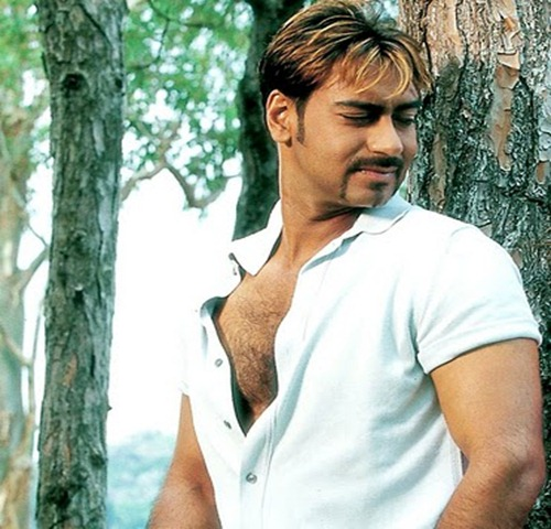 Ajay-Devgan-Pics-Pictures-Photos-Wallpapers-Photoshoot-Bollywood-Bold-Actor-Latest-Hot-News-Gossips-Events-Upcoming-Movies-Samachar-Khabar-Box-Office-2010
