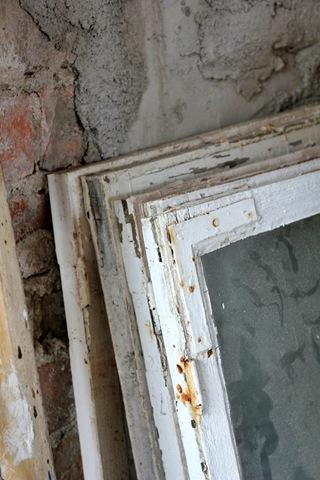 gammalt fönsterglas