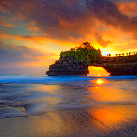 Pura batu bolong, Bali - Indonesia by Ipin Utoyo - Landscapes Sunsets & Sunrises