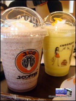 J.CO Greenbelt: Mix Berry Frappe & Orange Yogurt Frappe