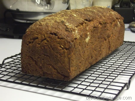 vollkornbrot-with-flaxseeds 012