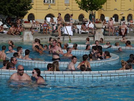 Spa Budapesta: vartejul din piscina