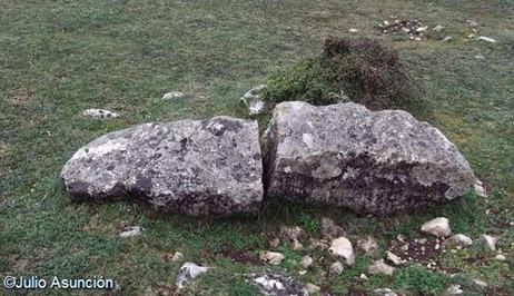 Menhir en el raso de Legaire