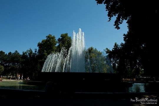 water_20110816_dancing1
