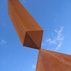 Broken Obelisk by Barnett Newman, 2003Cor-ten steel.Neue Nationalgalerie, Berlin.