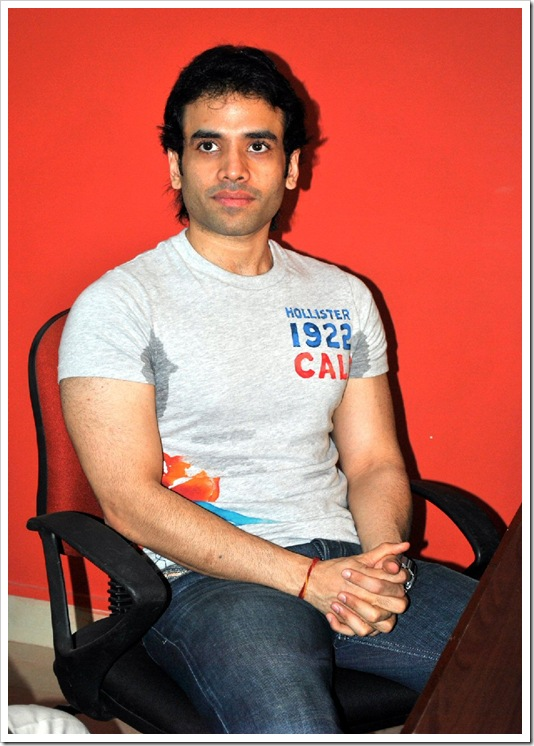 tusshar kapoor latest wallpapers 2012