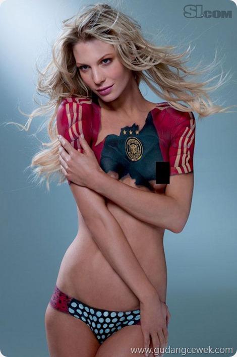 Model Hot Dengan Bodypainting || gudangcewek.com