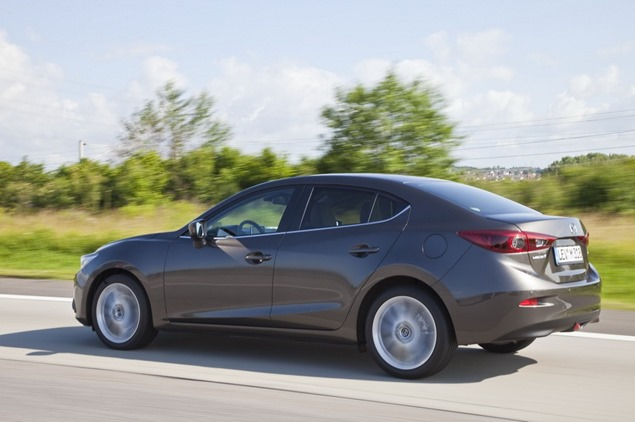 New-2014-Mazda3-Sedan-4