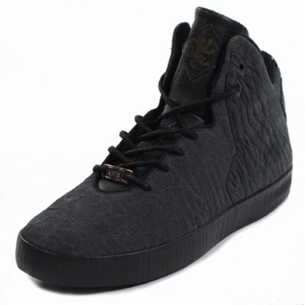 upcoming nike lebron xi nsw lifestyle in all black