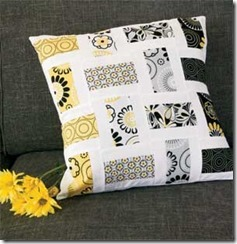 Crazy-for-Daisies-Pillow-300px