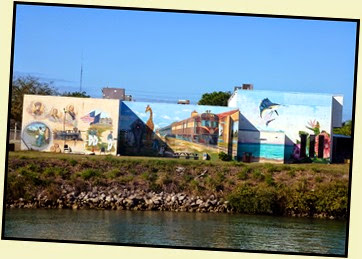 05b - Venetian Waterway Trail - The Mural