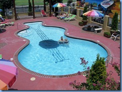 8466 Days Inn Memphis Tenessee - Peter and Janette in guitar shaped saltwater pool