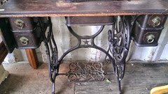 Domestic treadle sewing machine table10.2013